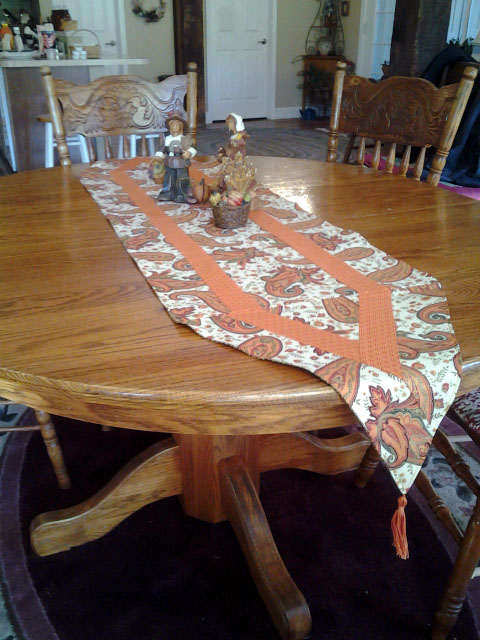 Beautiful fall table runner