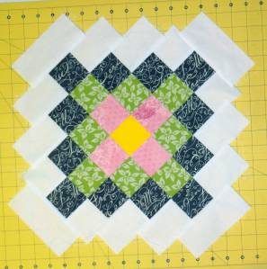 Great-granny block for the April block in the Newbee Quilters Bee